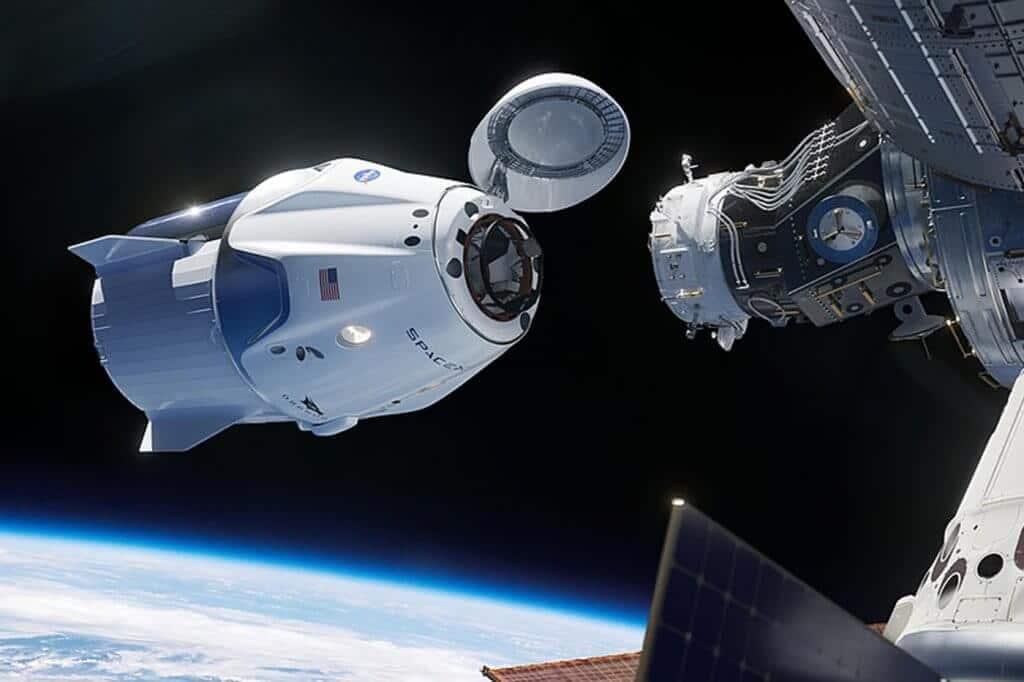 Docking Crew Dragon & ISS.